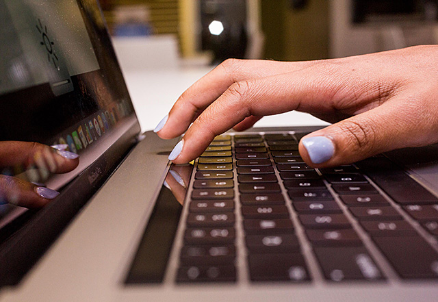 keyboard-service-program-for-macbook-and-macbook-pro