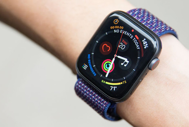 Apple Watch Series 4 wins Display of the Year